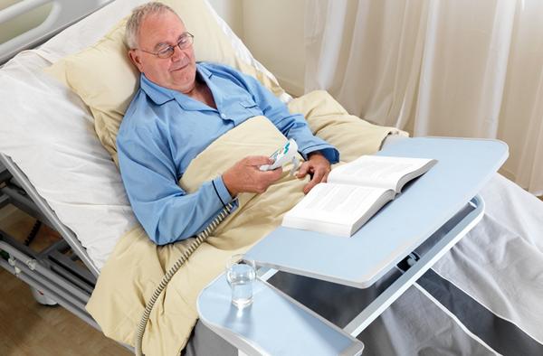 лежачий больной питает энергетику от сына термобелья Термобелье